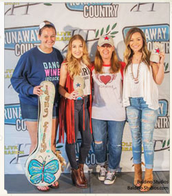 Maddie & Tae with Dang Chicks at the Runaway Country Music Festival